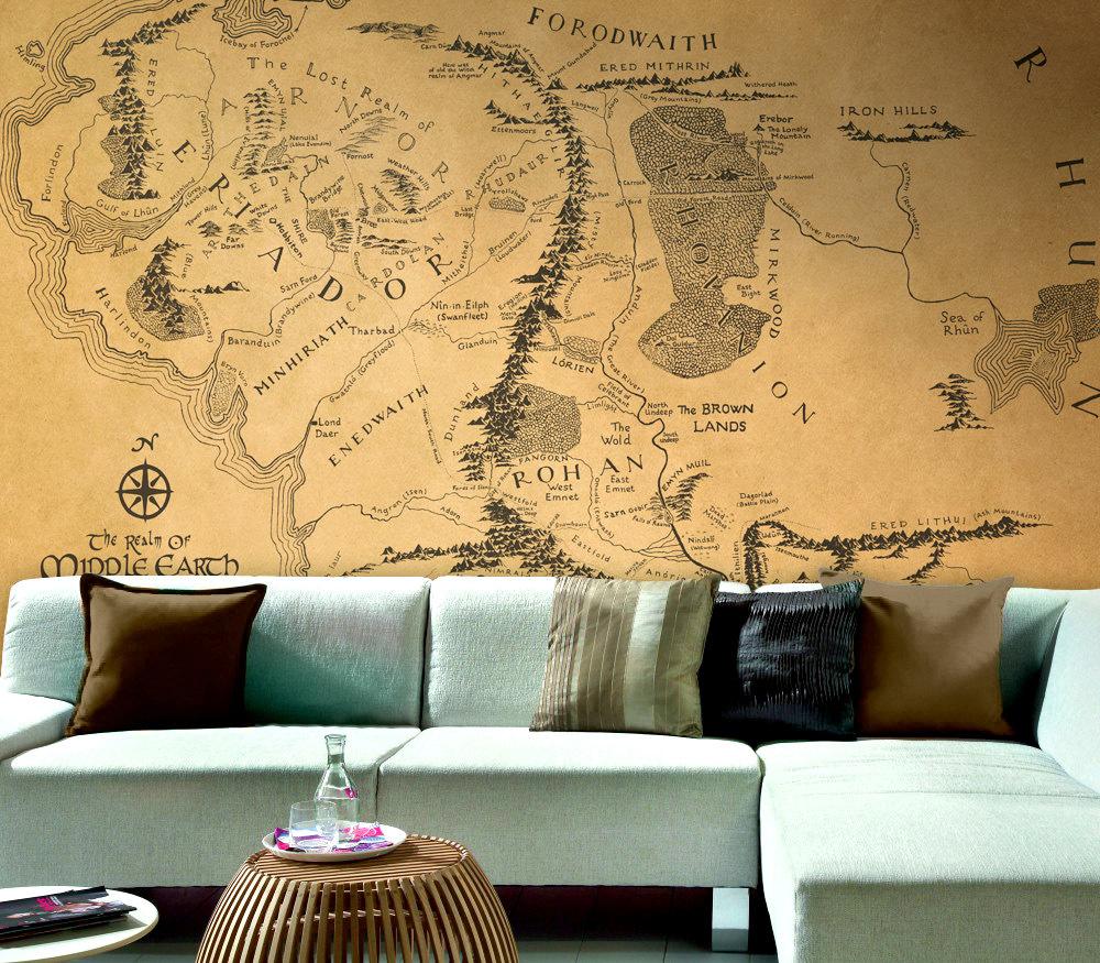 Карта Средиземья в декоре гостиной