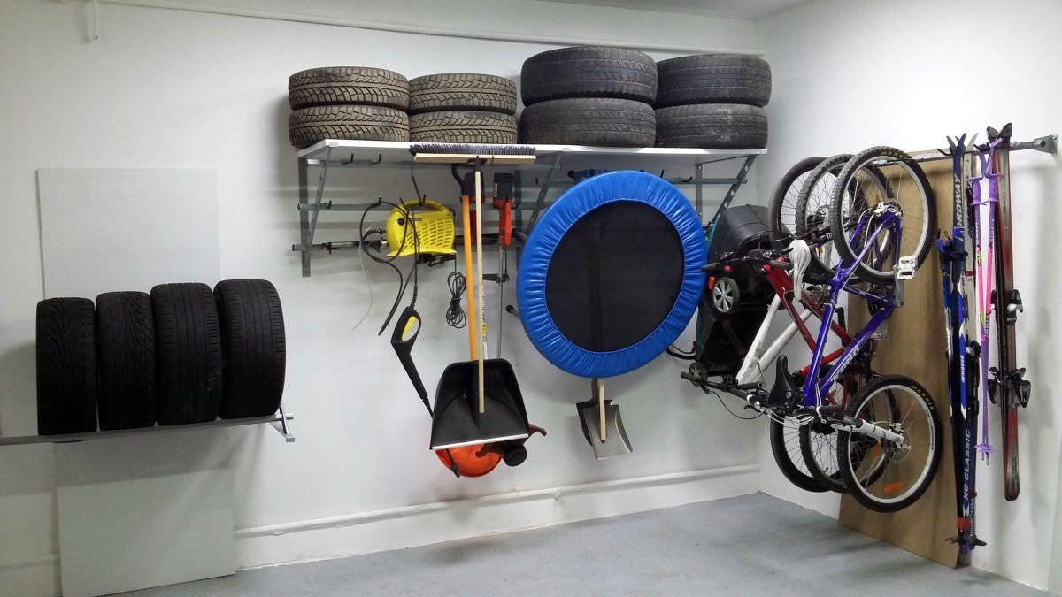 Хранение лыж в гараже