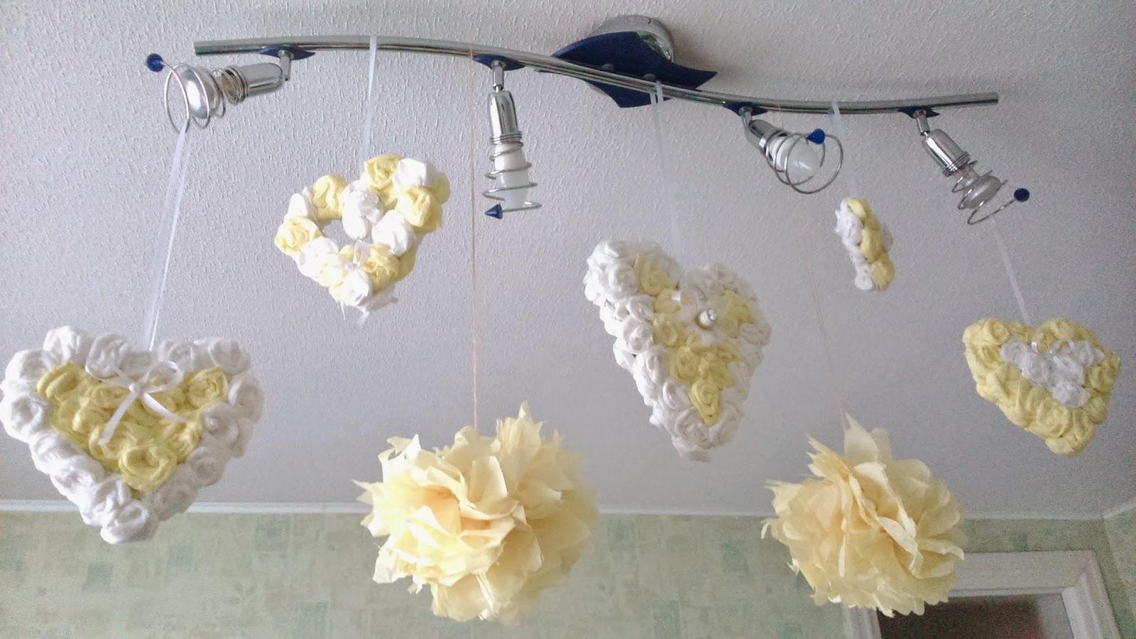 Декор люстры из гофрированной бумаги