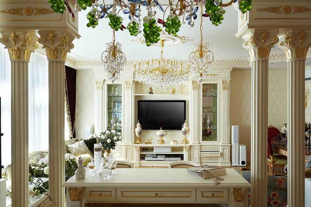 Декор из гипса в гостиной