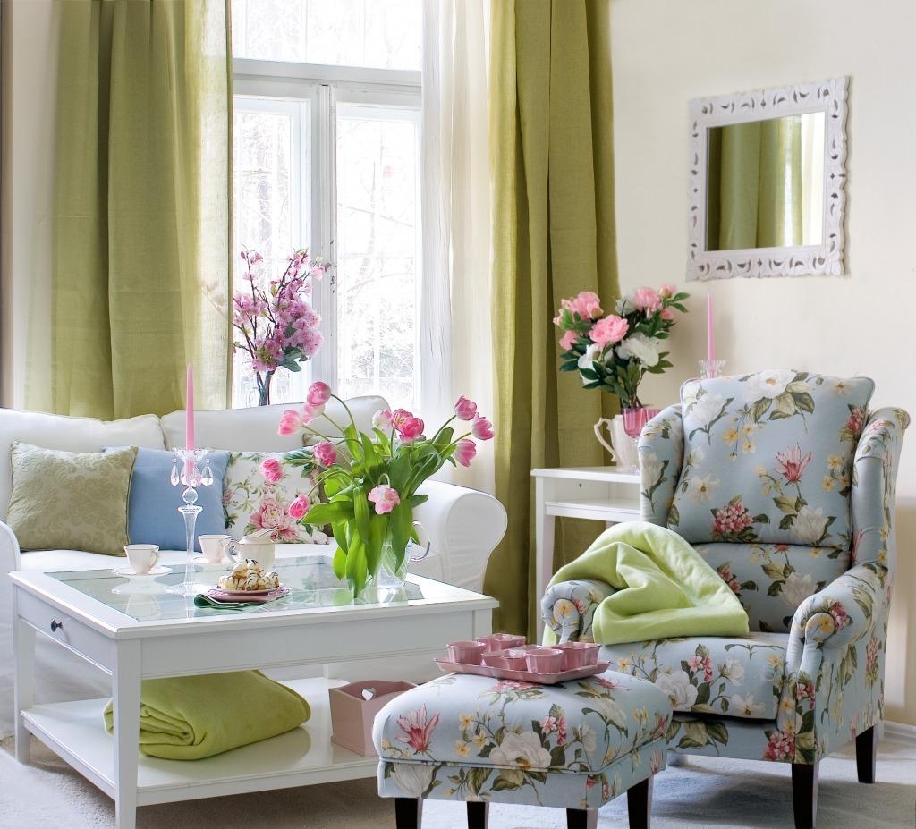 Кресло в стиле прованс в интерьере гостиной