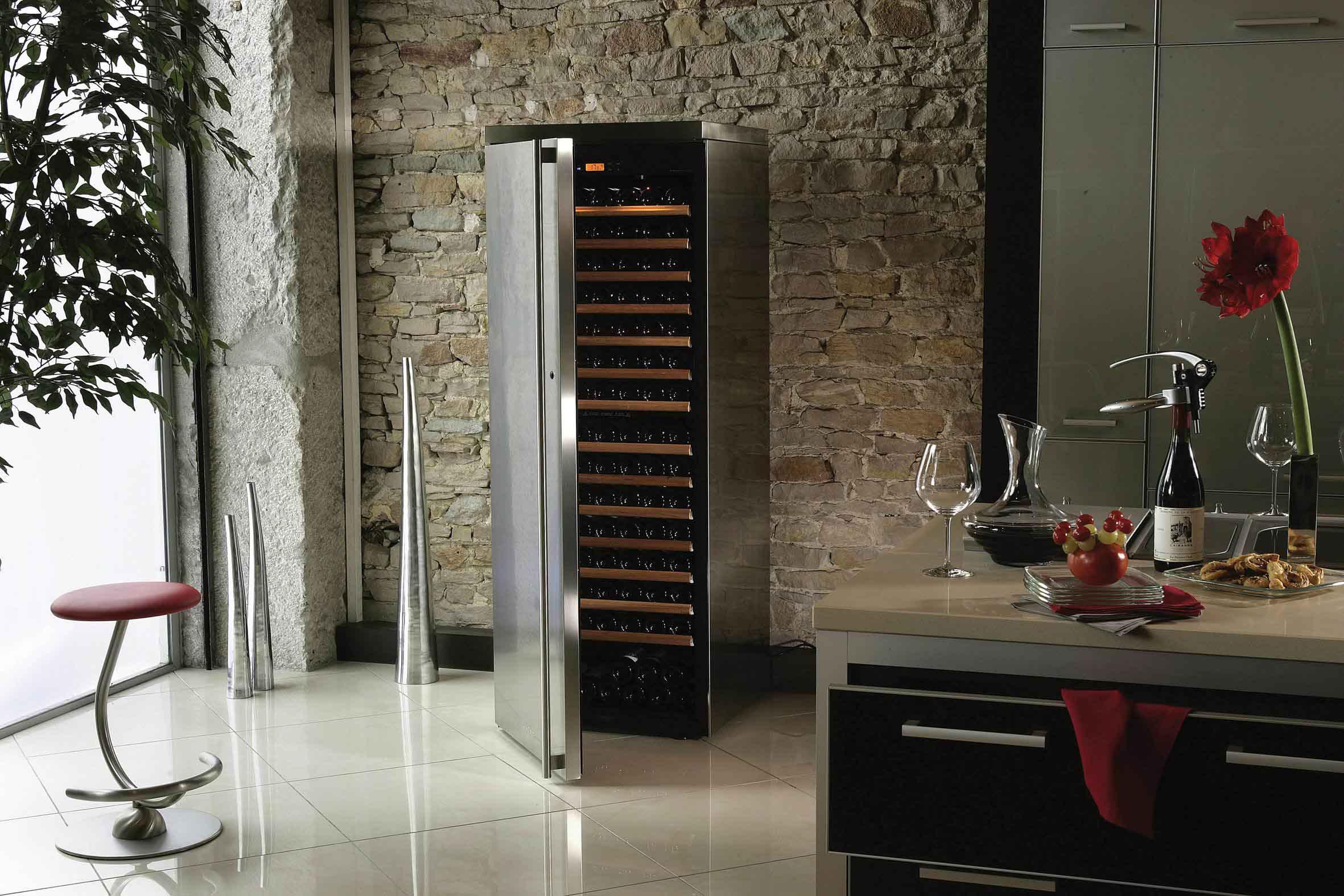 Шкаф-холодильник для вина