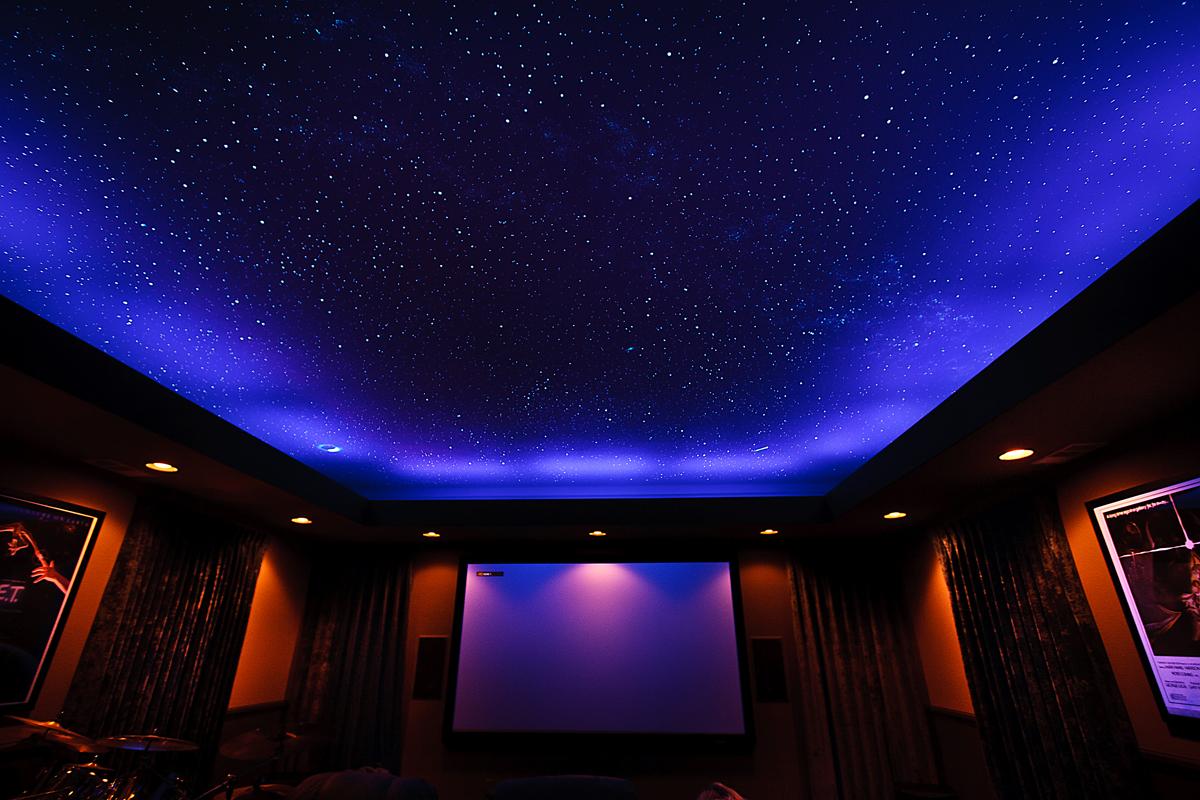 """Потолок """"звездное небо"""" в интерьере"""