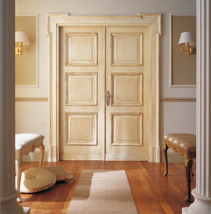 Итальянская дверь из массива дерева