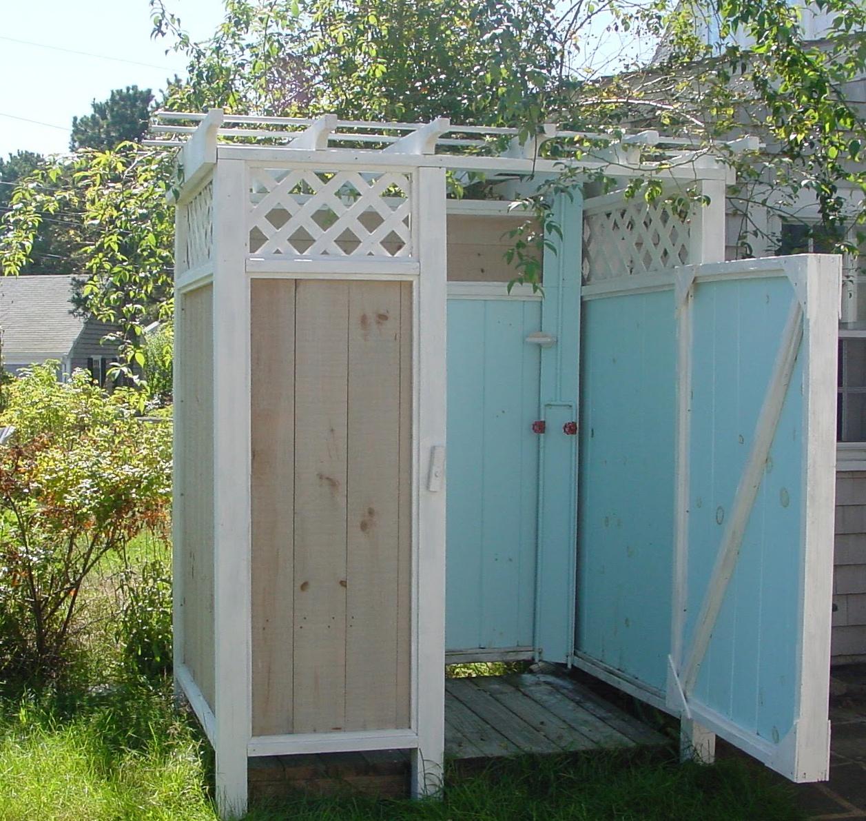 Кабинка с садовым душем