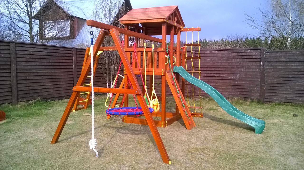 Детская игровая площадка с качелями
