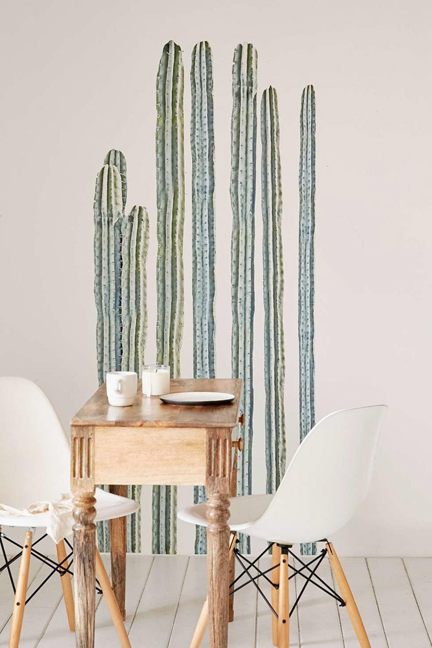 Рисунок кактуса в интерьере