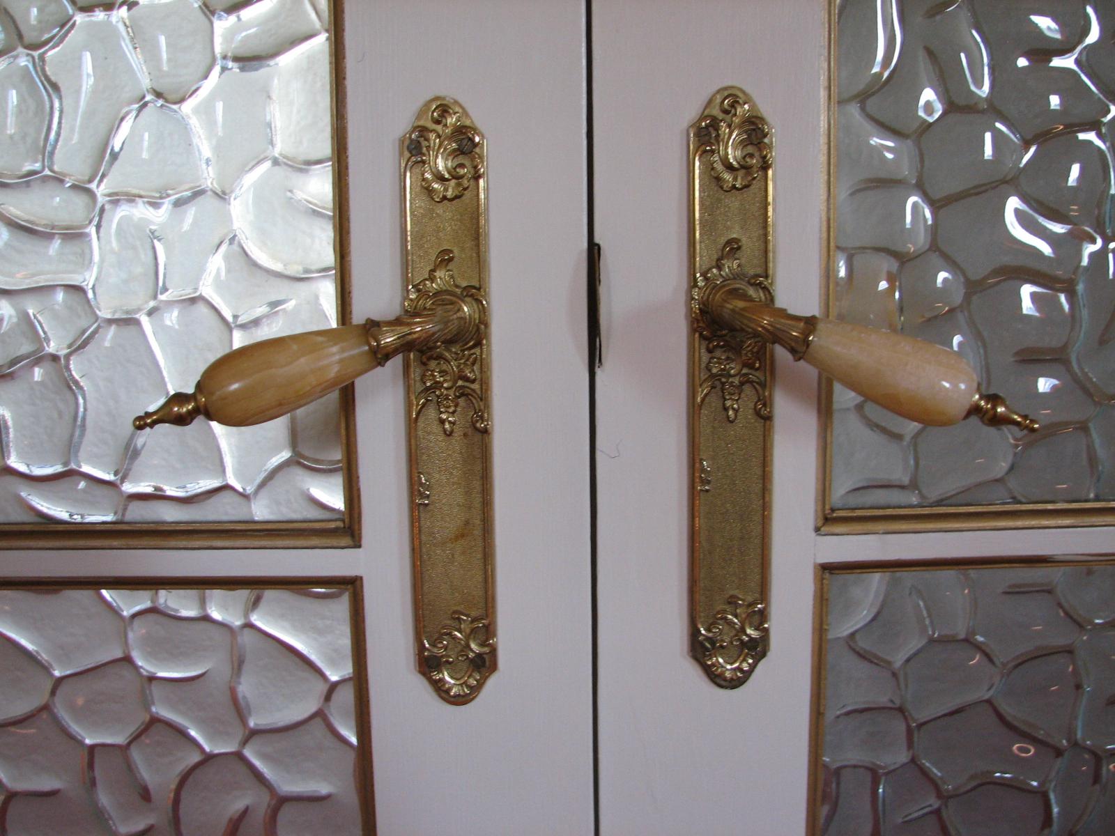 Каменная ручка для межкомнатной двери