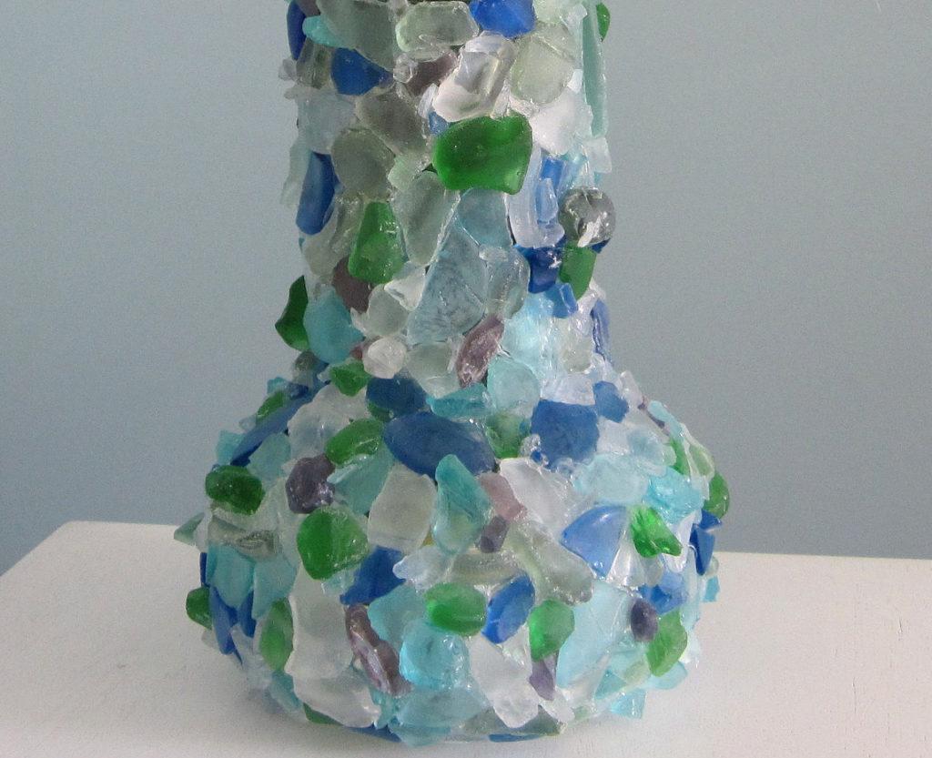 Декор вазы камнями