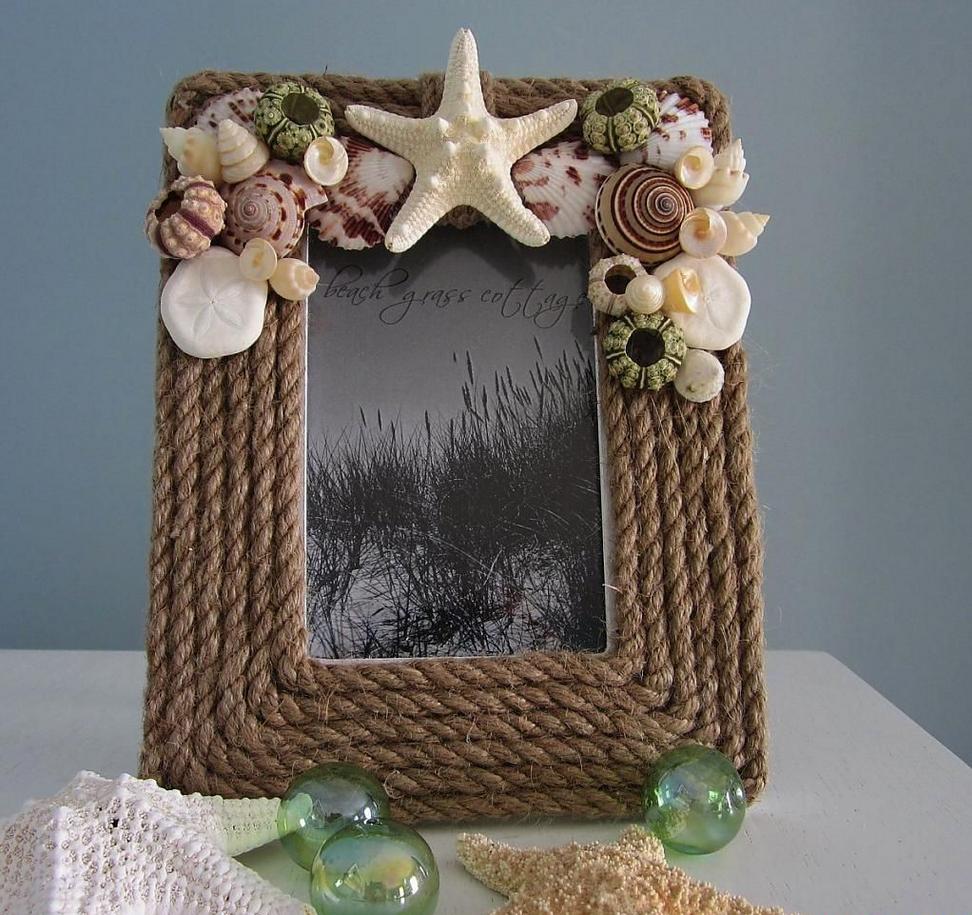 Декор рамки канатом и ракушками