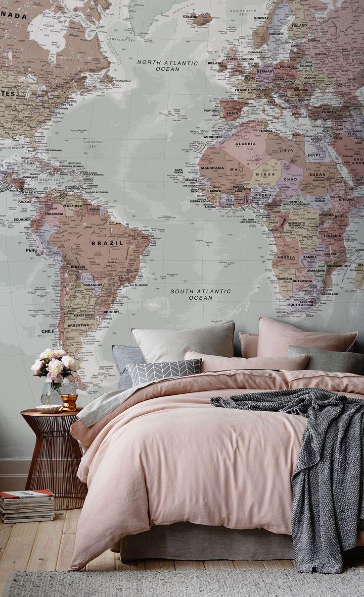 """Фотообои """"карта мира"""" над кроватью"""