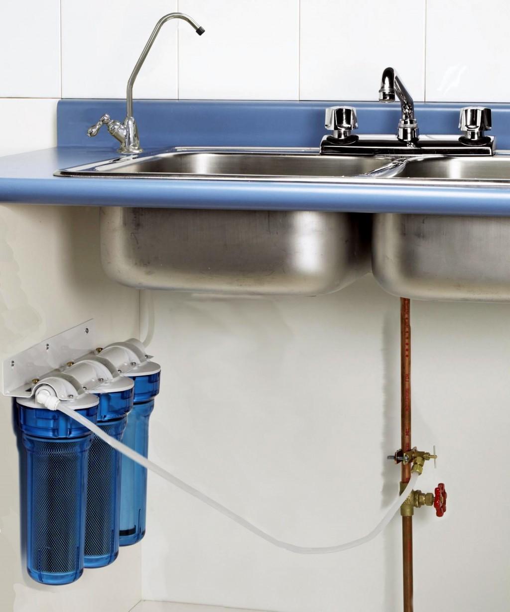 Фильтр для воды со сменными картриджами