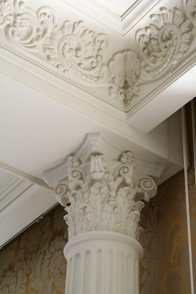 Декор колонны из гипса