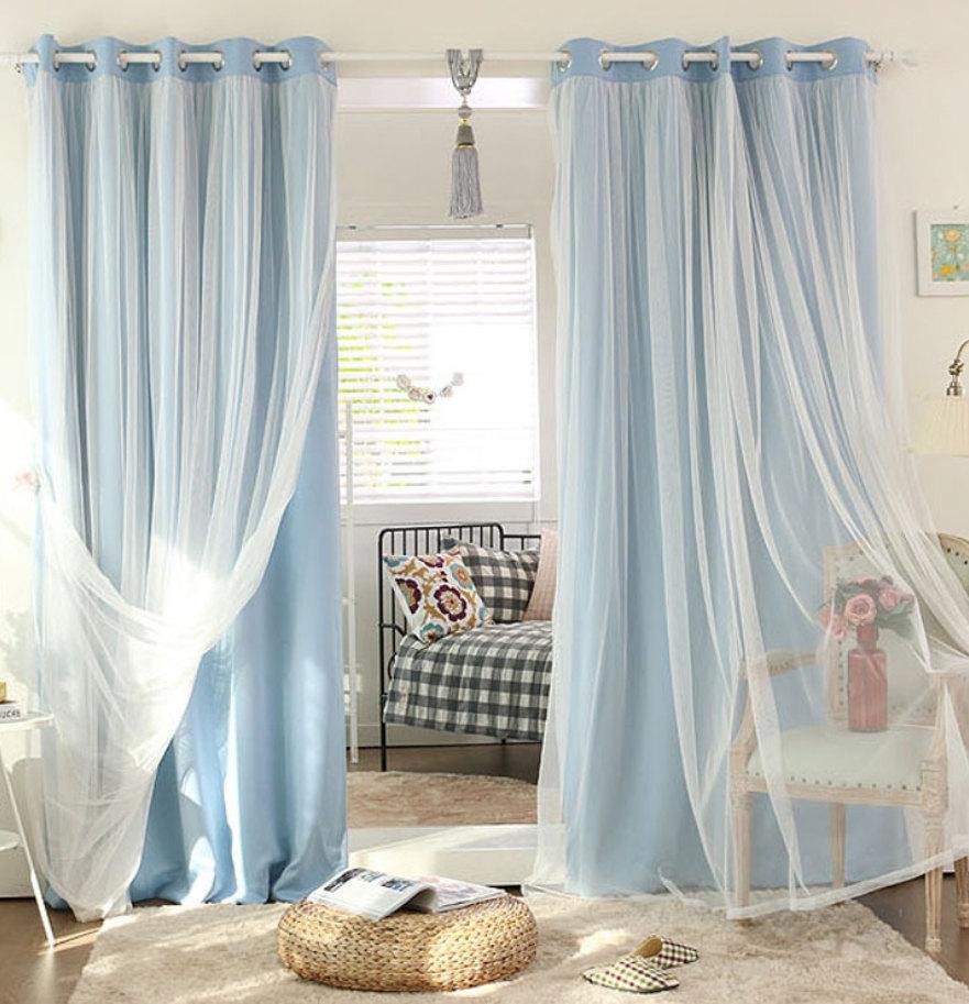 Комбинированный тюль в спальне