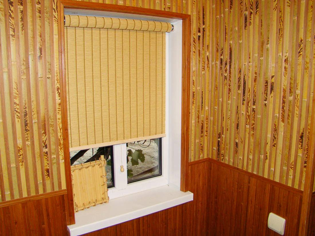 Бамбуковые обои в комнате