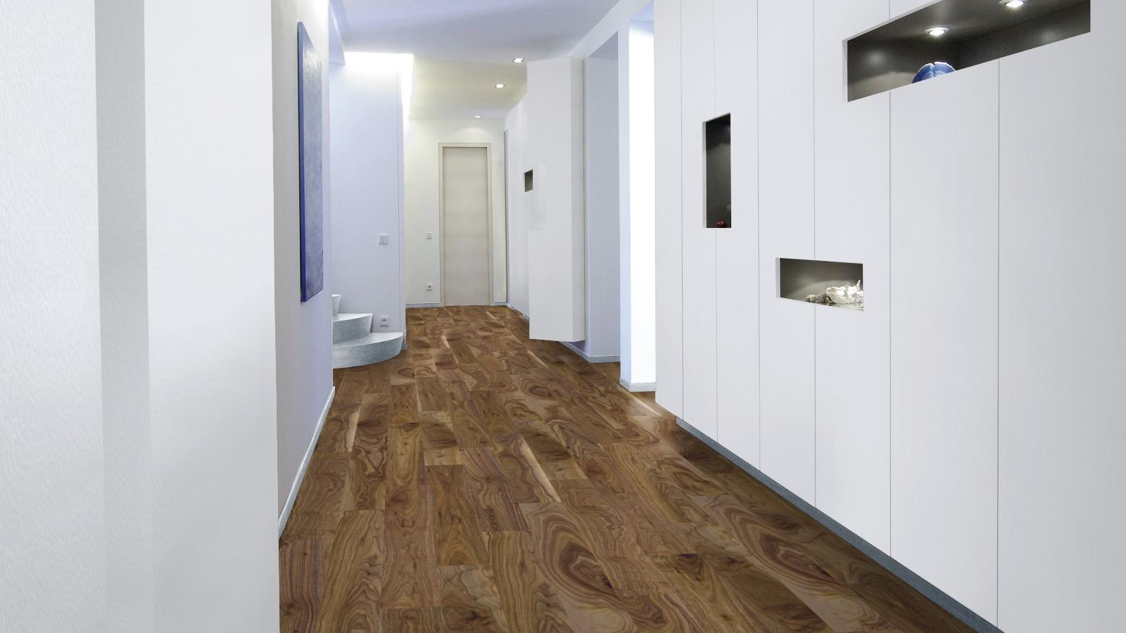 Водостойкий ламинат в коридоре