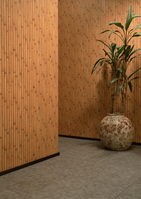Бамбуковые обои в коридоре