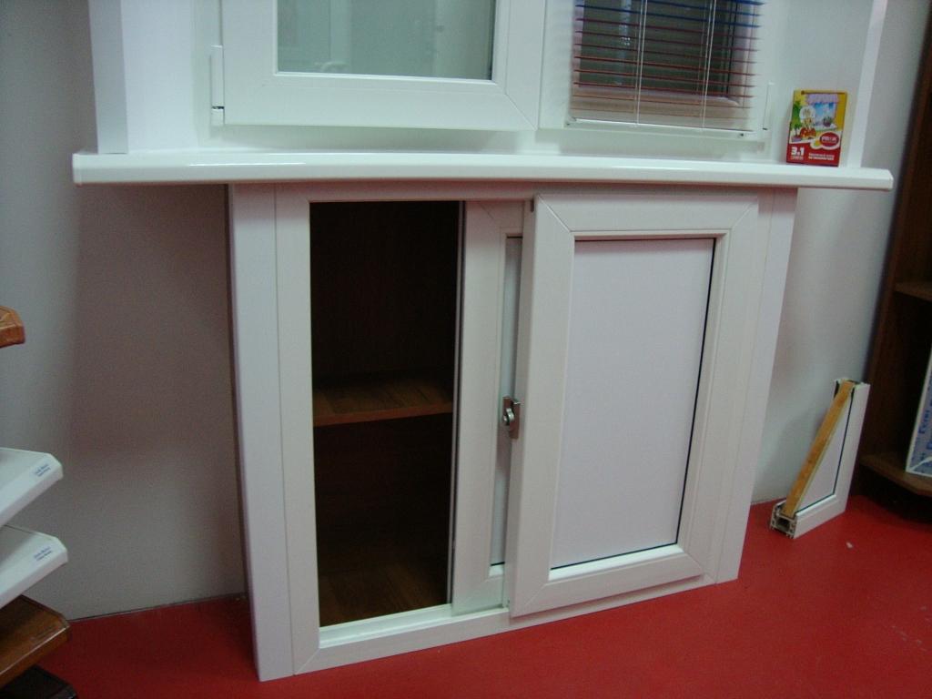 Короб для холодильника под окном