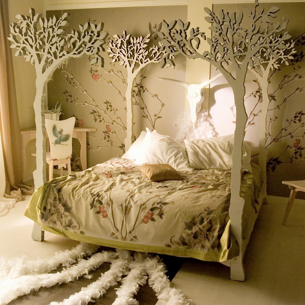 Декор кровати из дерева