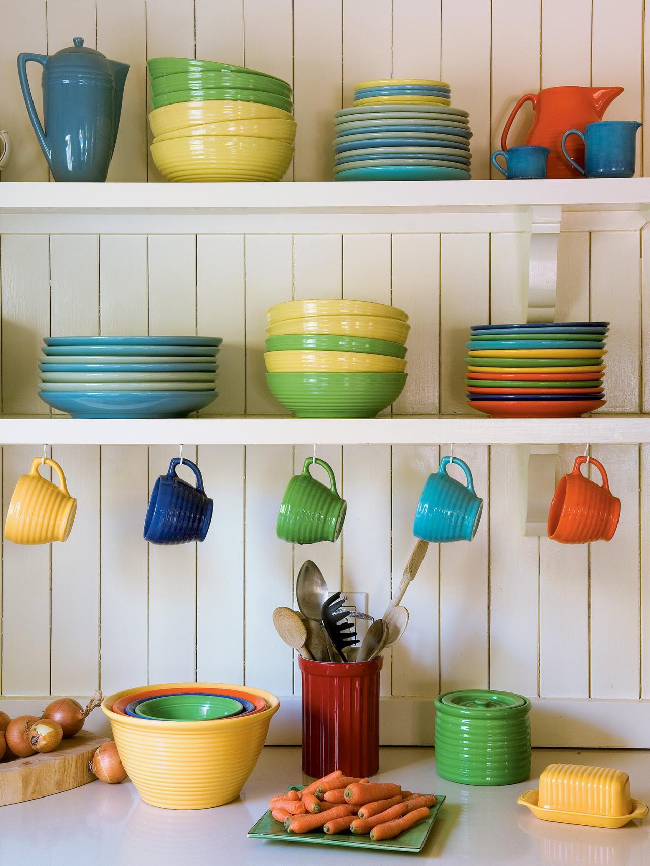 Полки для посуды с крючками