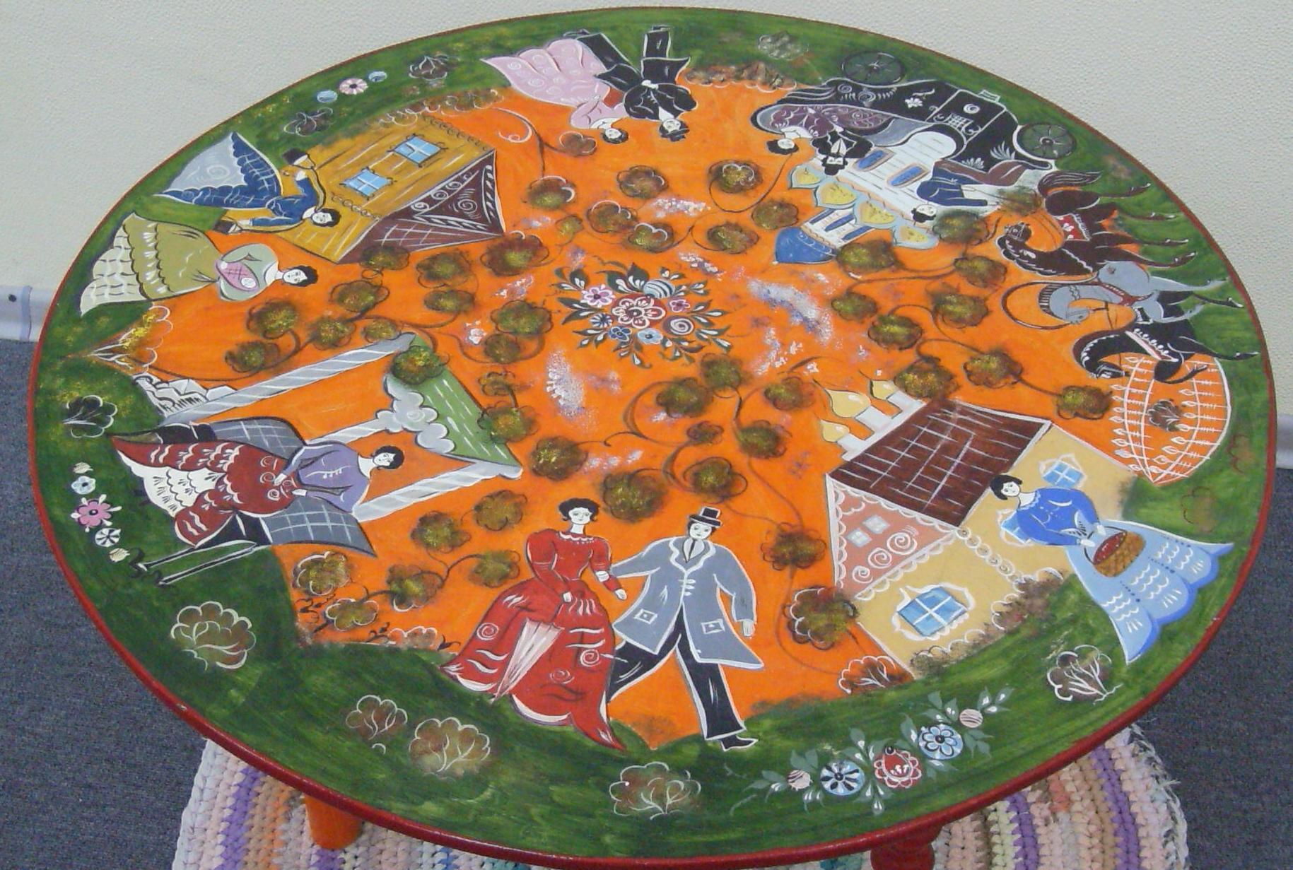 Декор круглого стола росписью