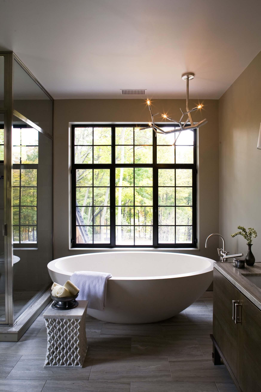 Отдельно стоящая круглая ванна