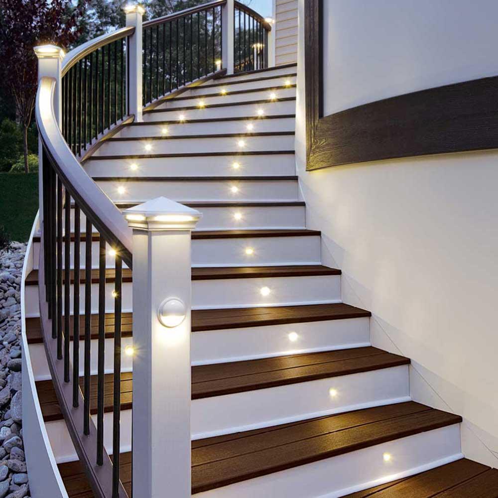 Освещение лестницы на крыльце