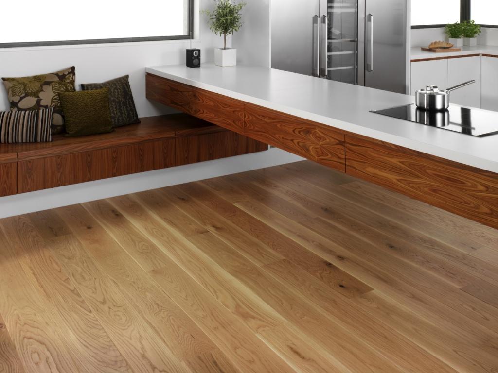 Плавающий пол на кухне