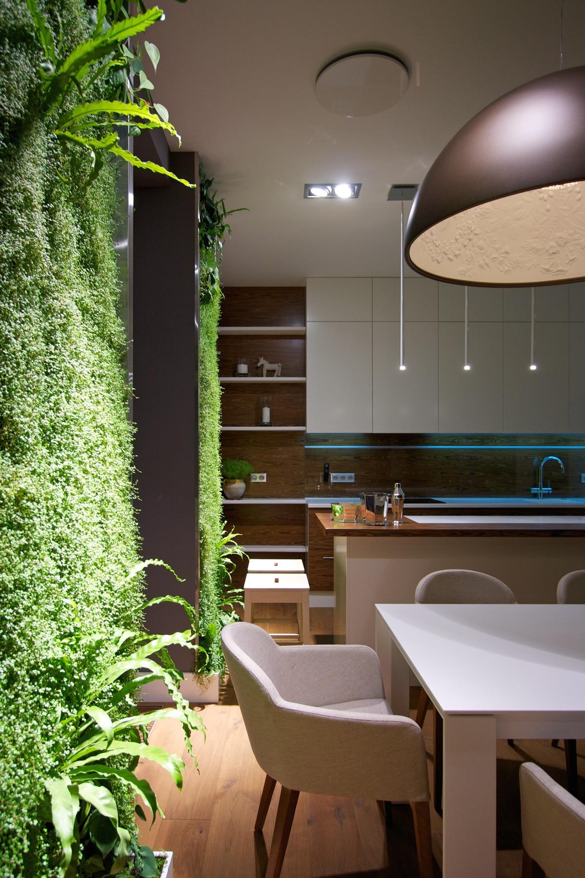 Вертикальное озеленение на кухне