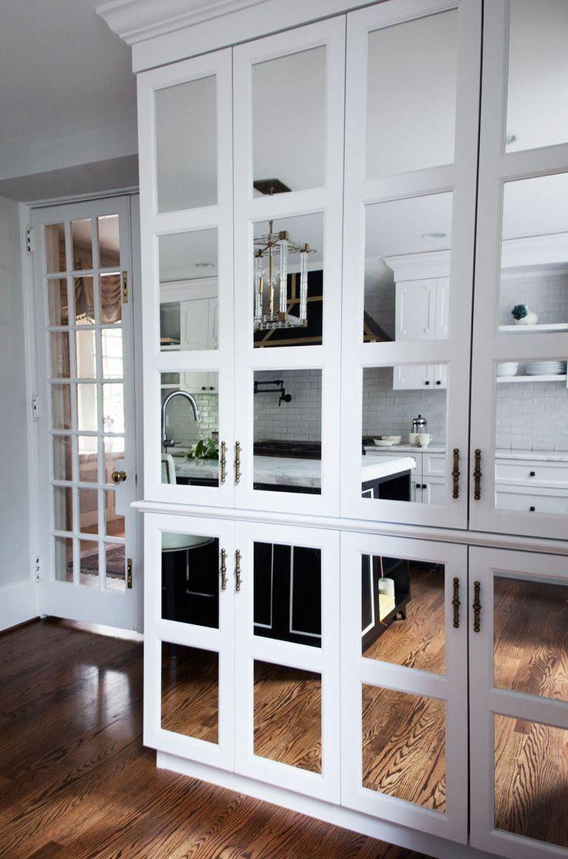 Зеркальный шкаф на кухне