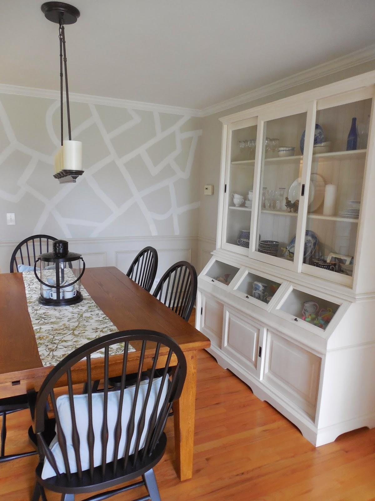 Рисунок на стене кухни