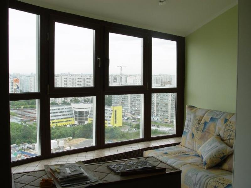 Панорамное остекление балкона квадратными окнами