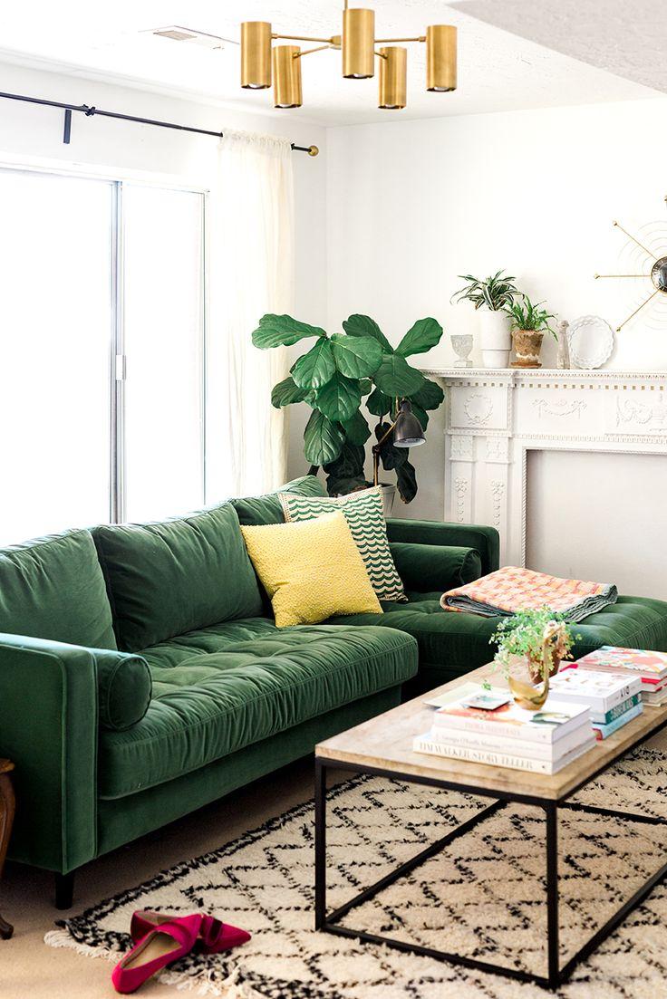 Тканевый диван в интерьере квартиры