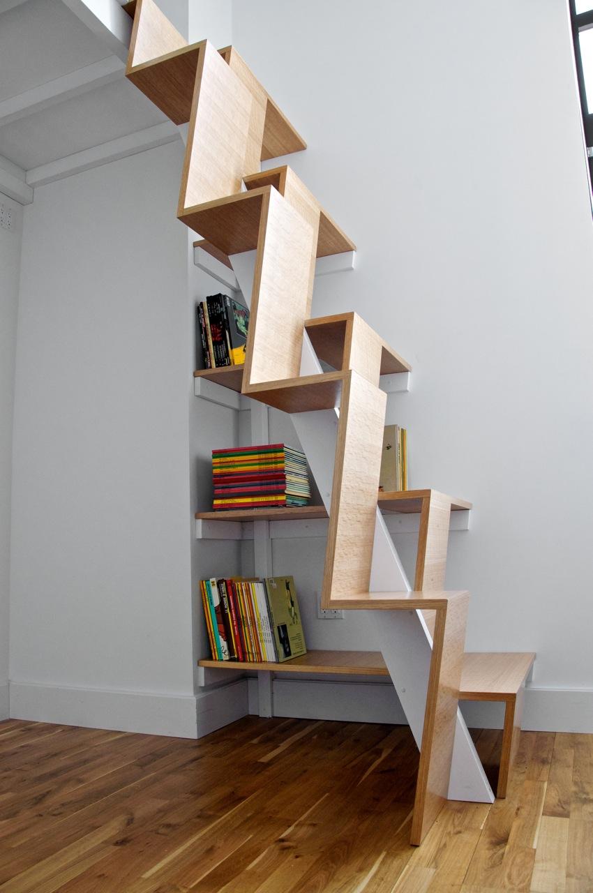 """Лестница """"гусиный шаг"""" в квартире"""