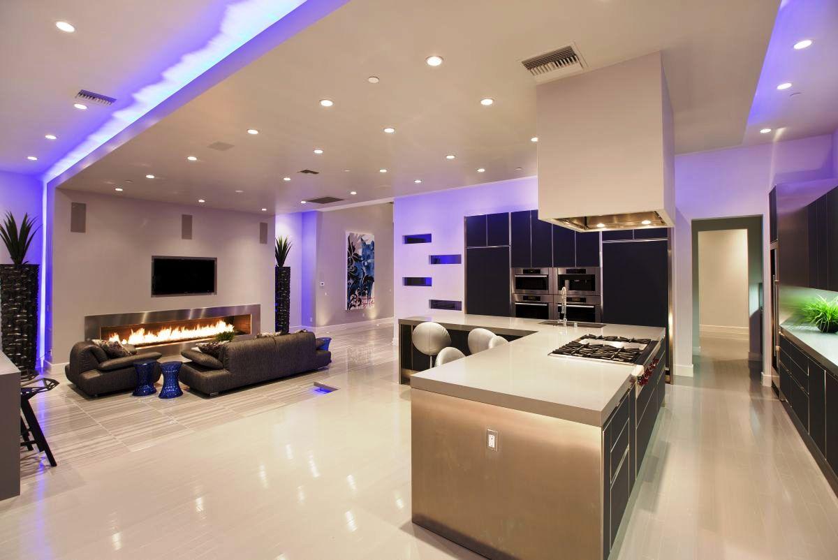 Потолок со светодиодной подсветкой в квартире