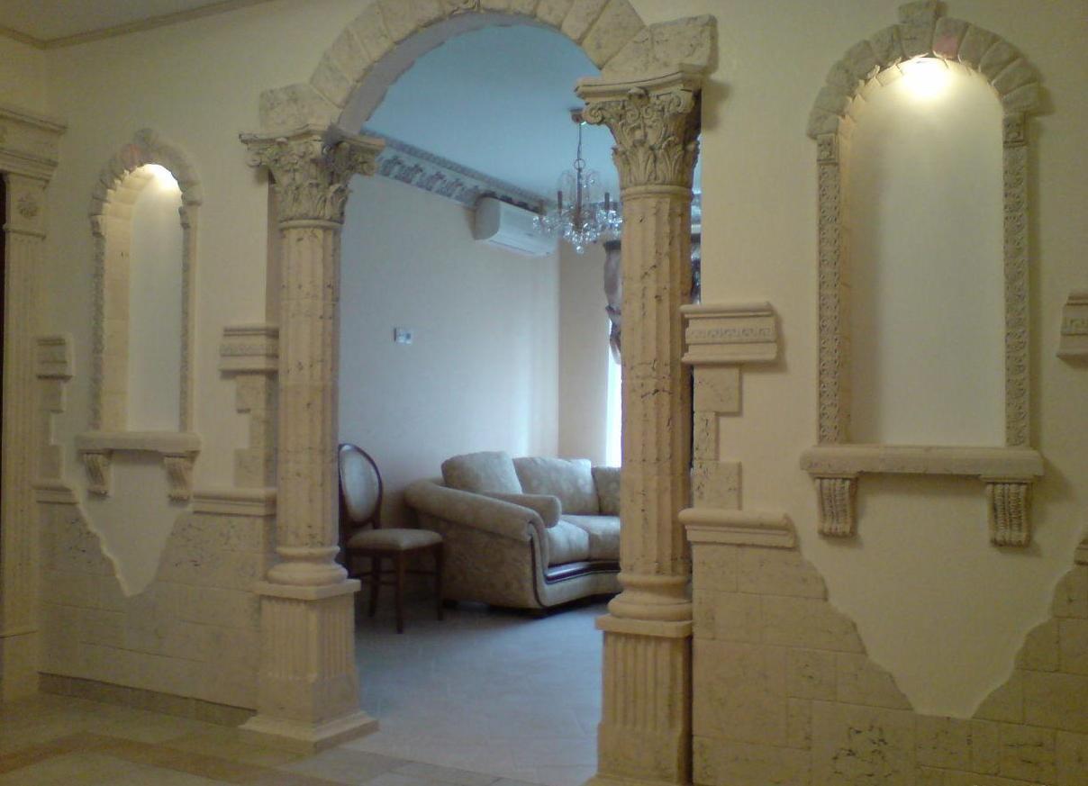 Декор из пенопласта в интерьере квартиры