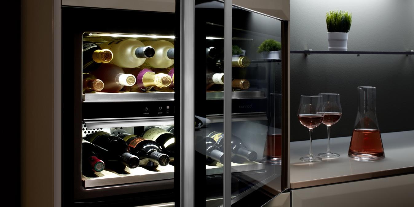 Шкаф для вина в квартире