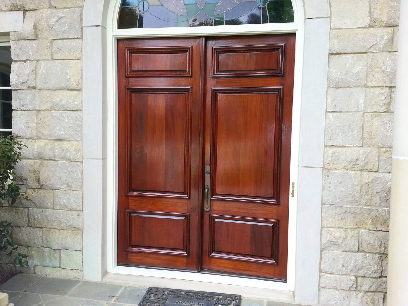 Реставрация двери лаком