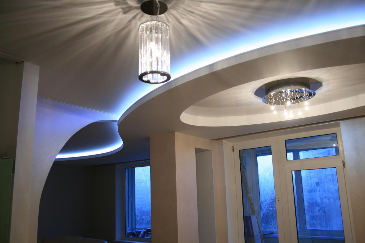 LED-подсветка потолка в квартире