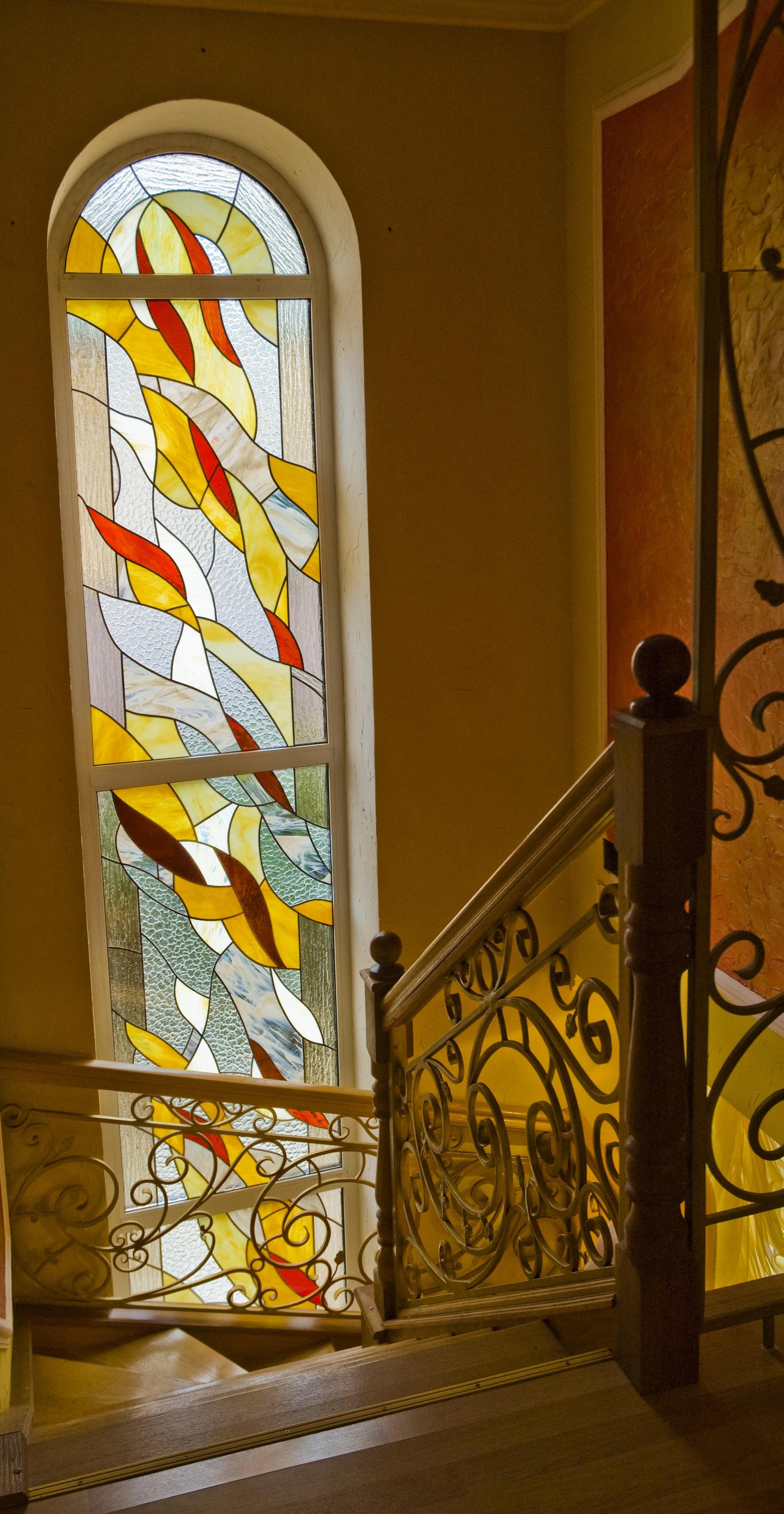 Витражная пленка на лестничном окне