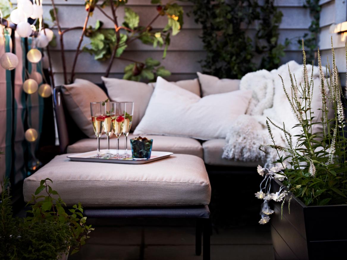 Летняя мебель на балконе