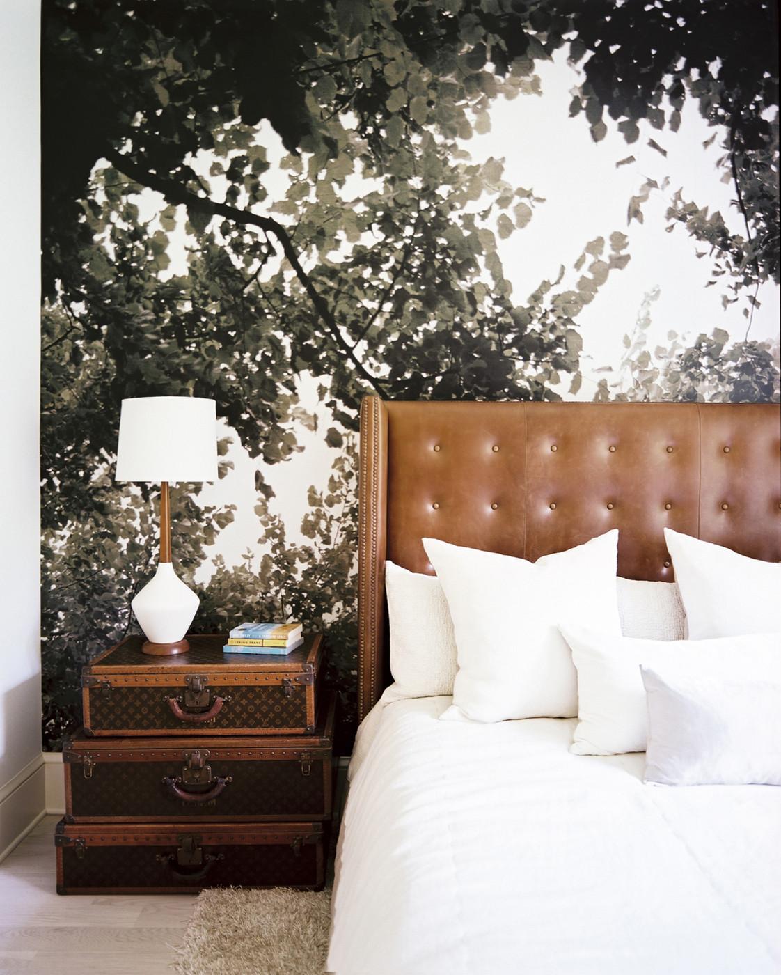 """Фотообои """"листва"""" над кроватью"""