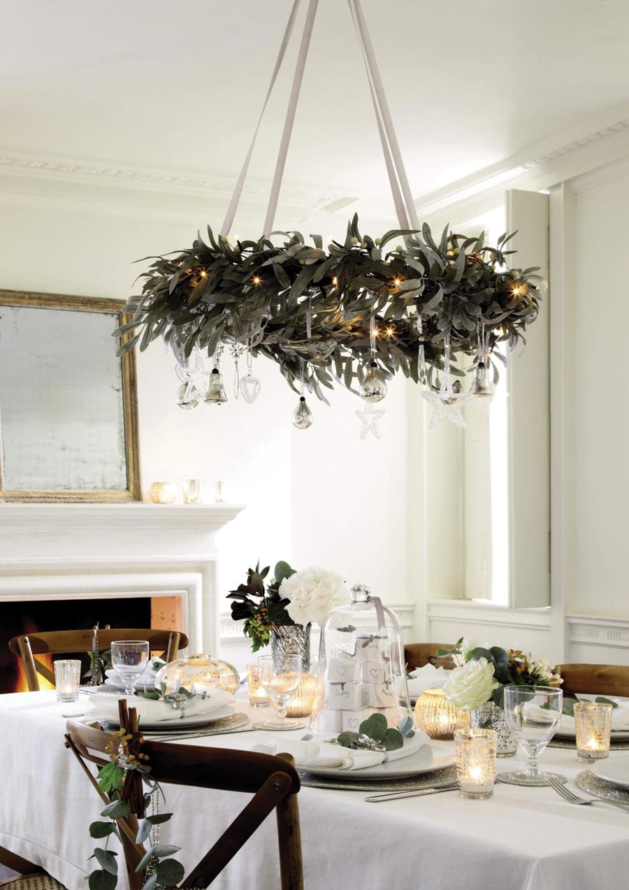 Декор люстры листьями