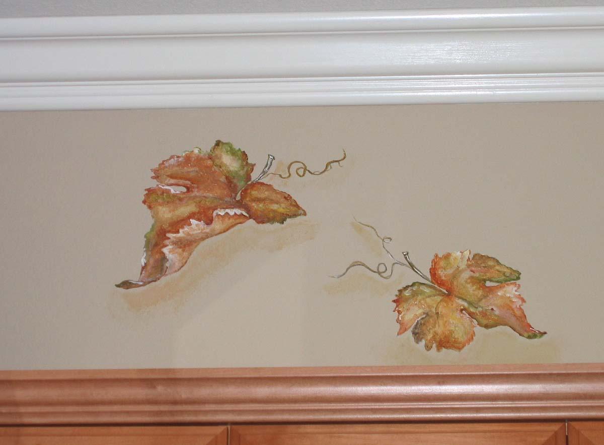 Рисунок листьев на стене