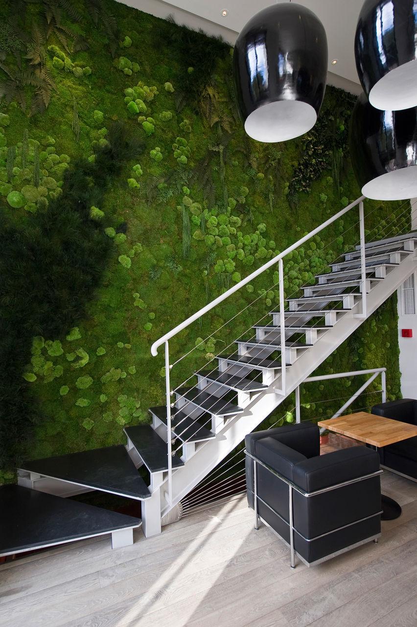 Вертикальное озеленение в интерьере лофт