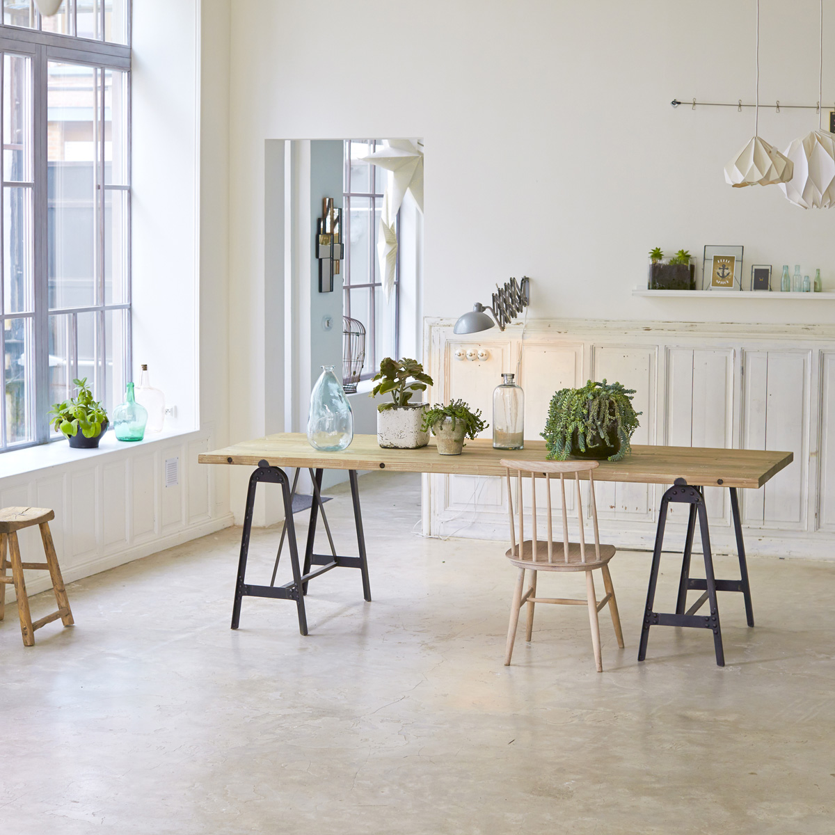 Стол из массива в стиле лофт