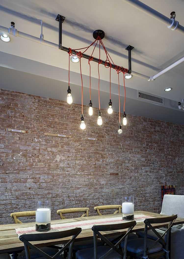 Декор трубы лампочками