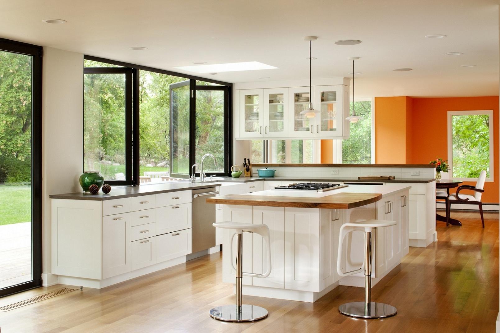 Оформление кухонного окна в минималистском стиле