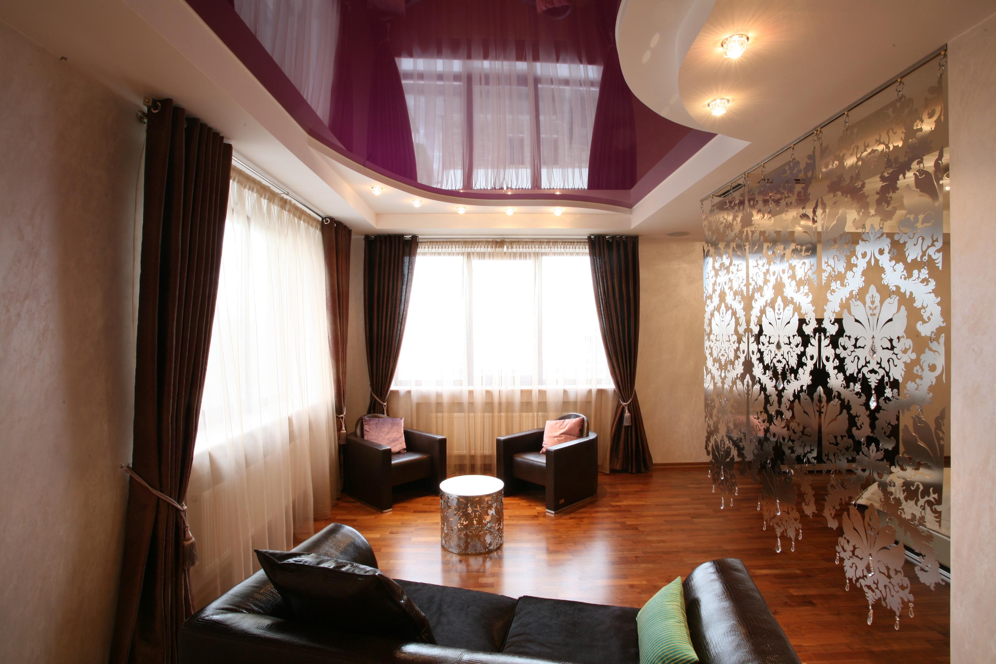 Комбинированный потолок в стиле модерн