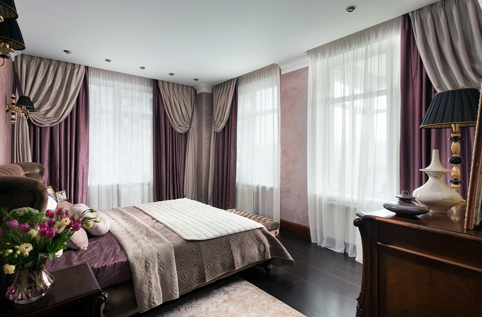 Тюль в спальне в стиле модерн